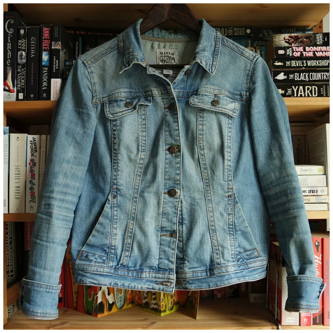 3887ba34e5225f An ode to… the denim jacket – Floating in Dreams