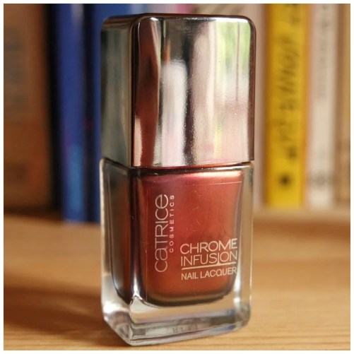 Catrice Chrome Fusion Nail Polish review swatch 04 Unexpected Red 05 Enchanted Camouflage