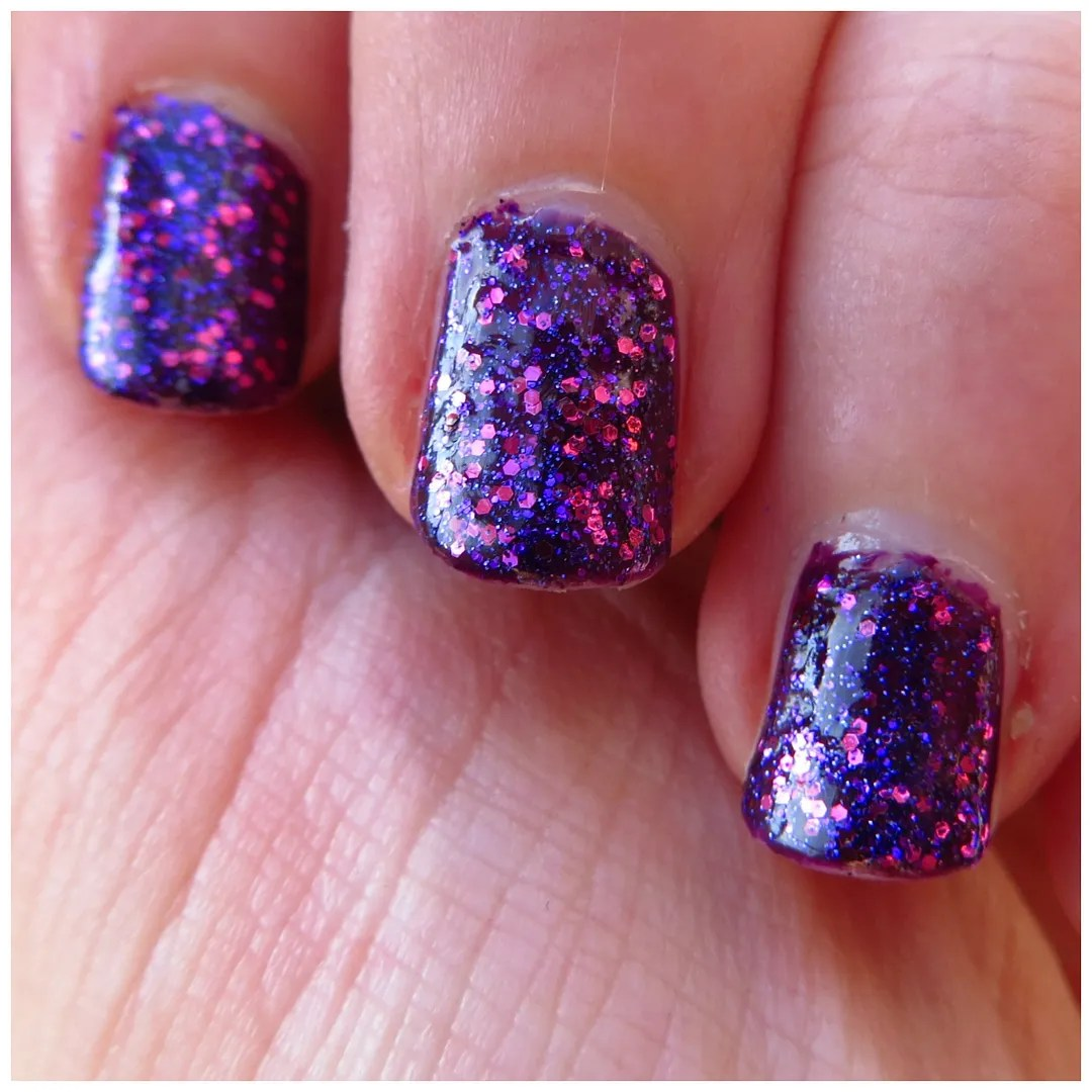 Cassis Sparkle Nail Art Floating In Dreams