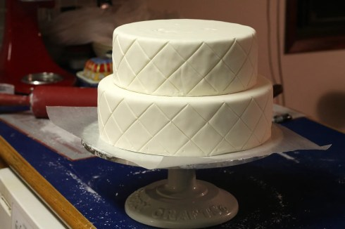 How To Make A Fondant Covered Wedding Cake