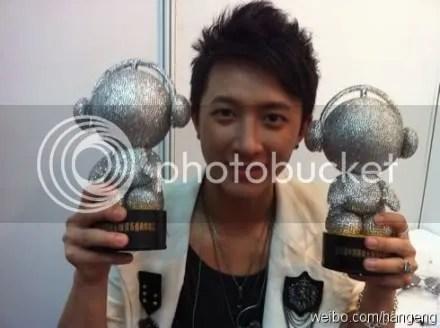 [Image: weibo110624.jpg]
