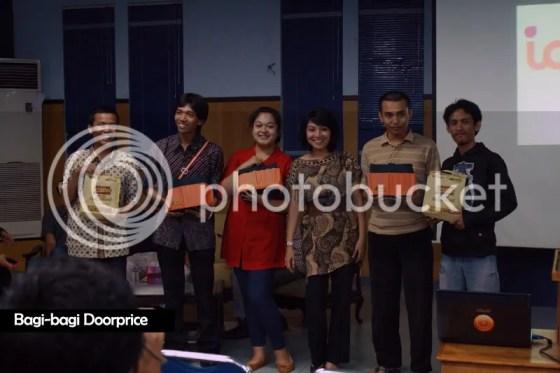 Bagi doorprice dan Goodie Bag FreSh Surabaya