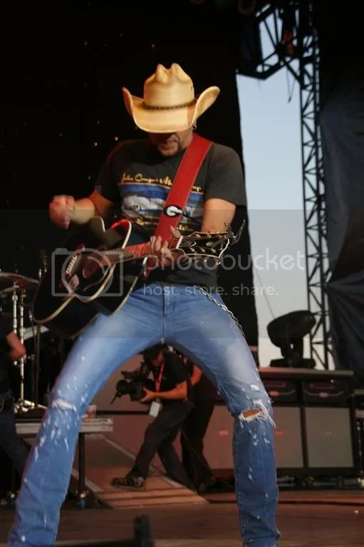 Jason Aldean performs at the 2011 Big Valley Jamboree.