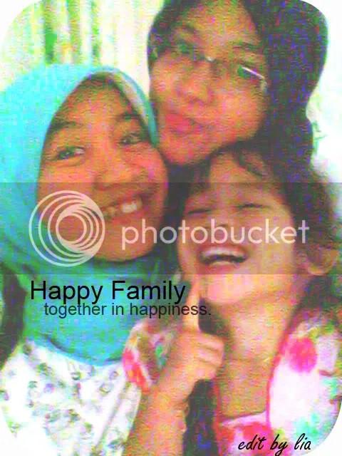 Lia (jilbab biru), Rahma (jilbab item), dan Salsa!