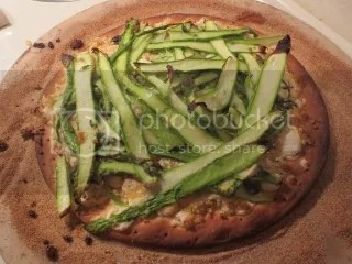 Gluten-Free Asparagus and Ricotta Pizza