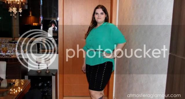 Look Plus Size Saia e Camisa