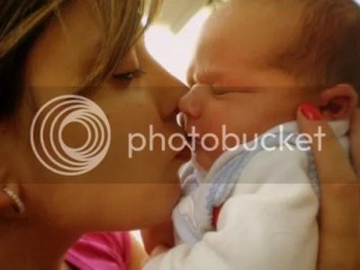 beijar a boca do bebê