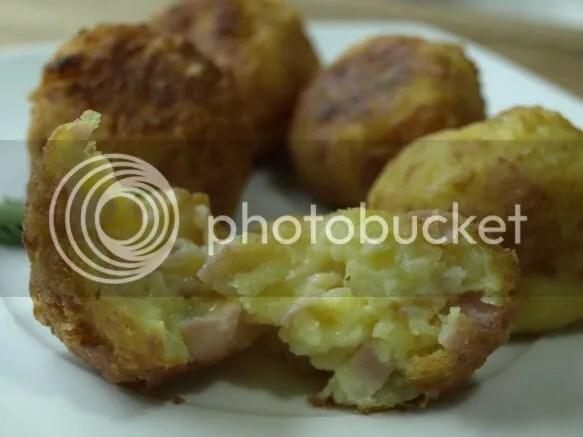 bolas de patata rellenas y fritas