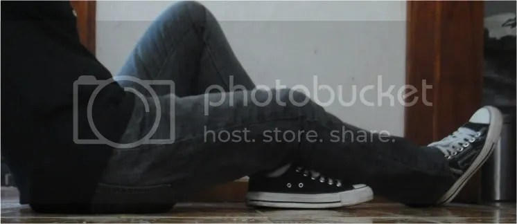 jeans and converse shoes