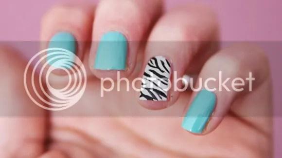 nailart zebra