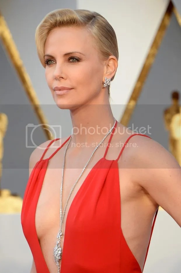 photo charlize_theron4_zpsepza4ipd.jpg
