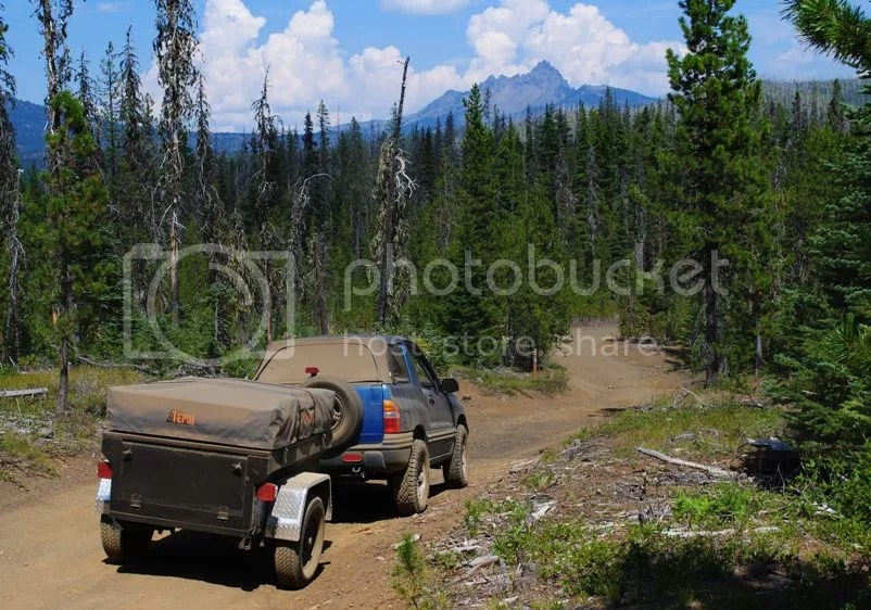 Jeep Trailer Dinoot M416 on Santiam Wagon Trail Oregon above Lost Lake