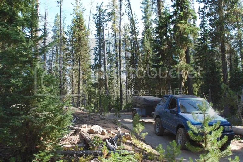 Jeep Trailer Forest Road Oregon Adventure with Compact Camping Trailers and Dinoot Trailers 4WD Trail Little Cultus Lake and Taylor Lake 2