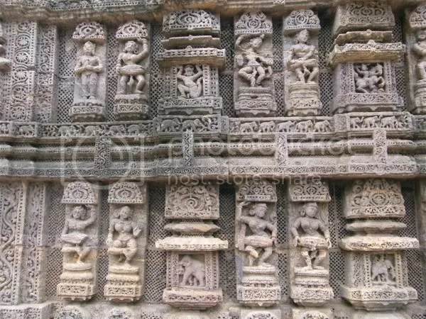 Konark sun temple dancers and musicians