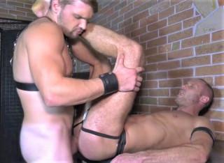 Kinky & Raw: Toni Russo & Martty