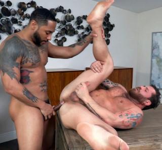Loaded Muscle Fuck: Riley Mitchel, Jaxx Maxim