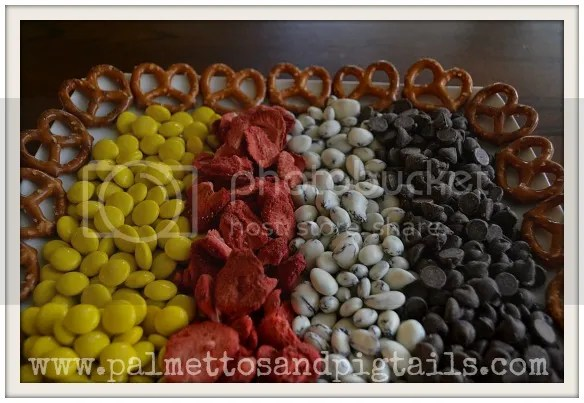 Meeska Mouska Mix...the perfect snack for Disney World. From Palmettos and Pigtails