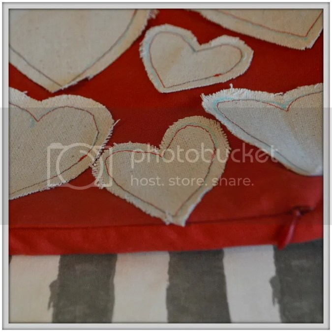 This is one of the best tutorials I've seen for an invisible zipper tutorial. Lots of photos and links to others' sites for even more help. Made zipper installation a breeze! Plus the knockoff Anthropologie heart pillow was so cute!