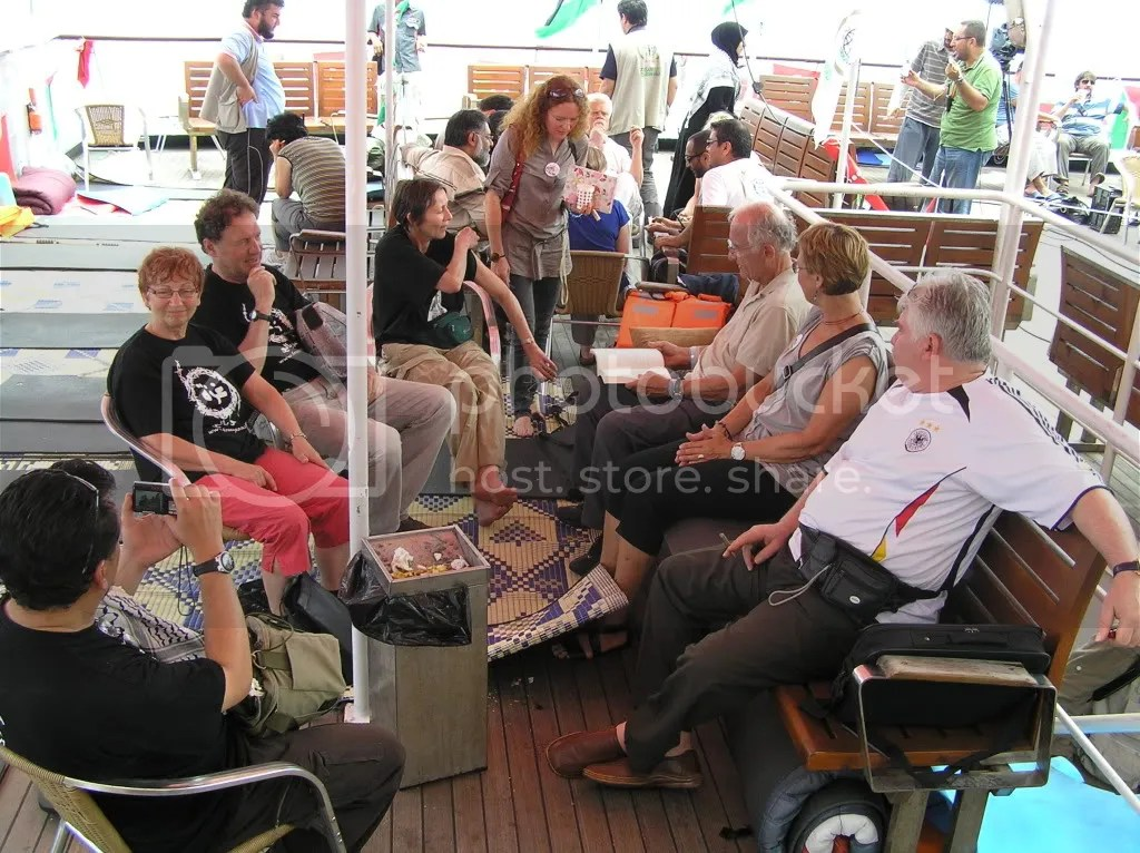 Flotilla 1 passengers