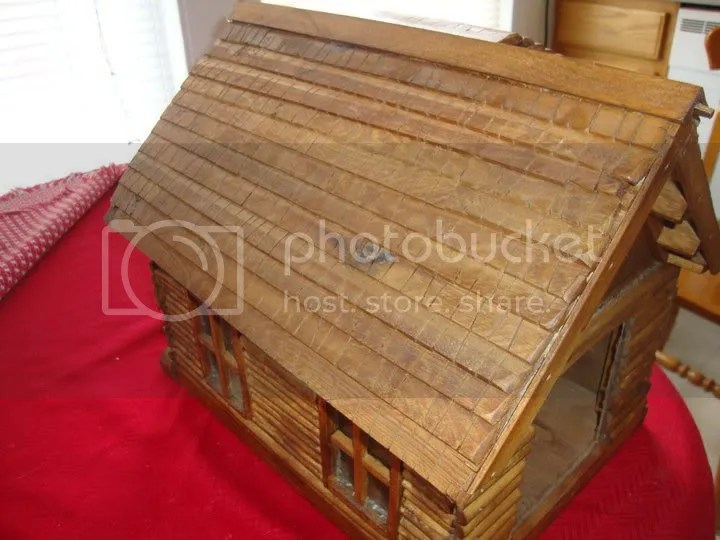 Maine Log Cabin Birdhouse