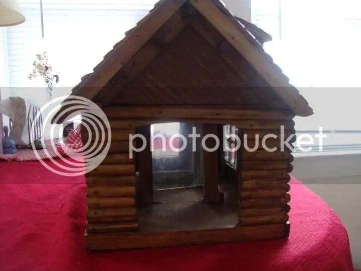 Maine Log Cabin Birdhouse