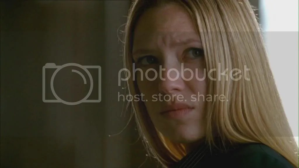 photo Olivia-Dunham-in-1x05-Power-Hungry-olivia-dunham-21784821-1360-768_zps1d62f467.jpg