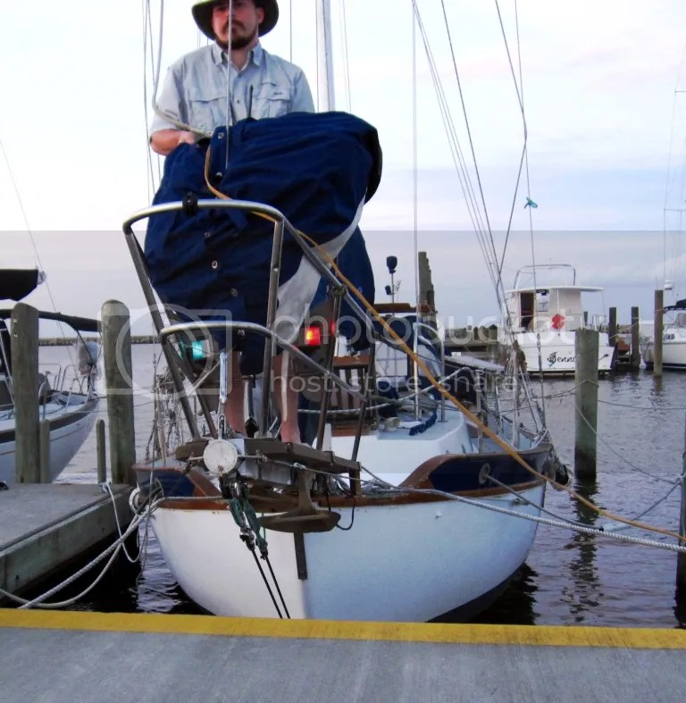 Bebi LED navigation lights lit on the bow