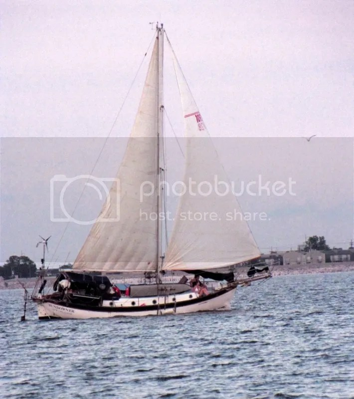 Sundowner Full Sail