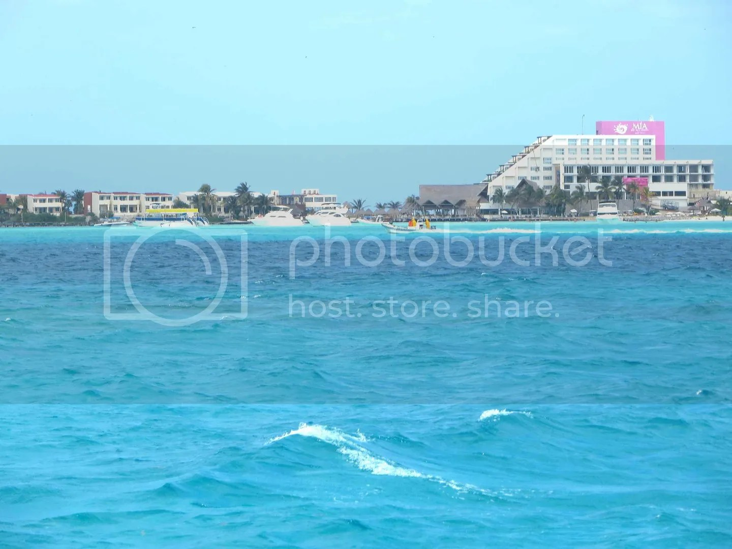 Isla Mujeres approach beautiful water