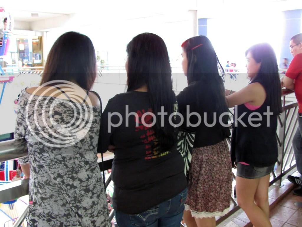 The girls - Mariah, Mama, Trisha, and I