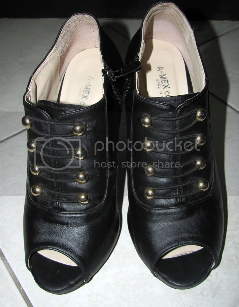 Black Peep Toe Ankle Boots bought for P125