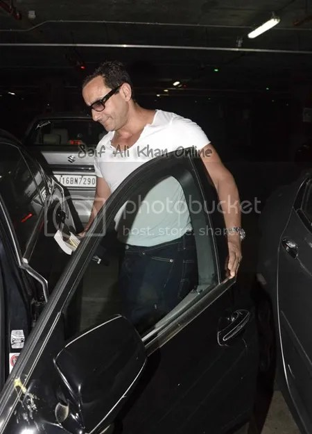 photo Saif-ali-khan-Tiger-Shroff-and-Shradha-kapoor-spotted-at-Airport-8_zps8umvjsge.jpg