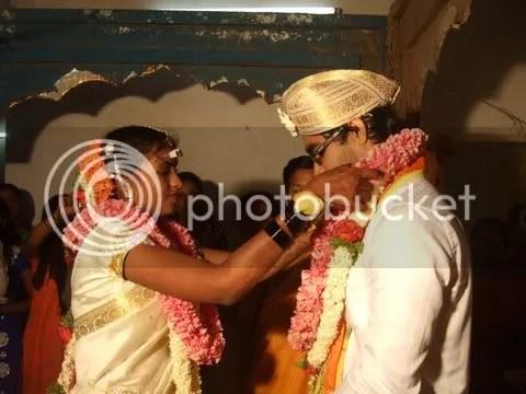 vv wedding 270411 garlands