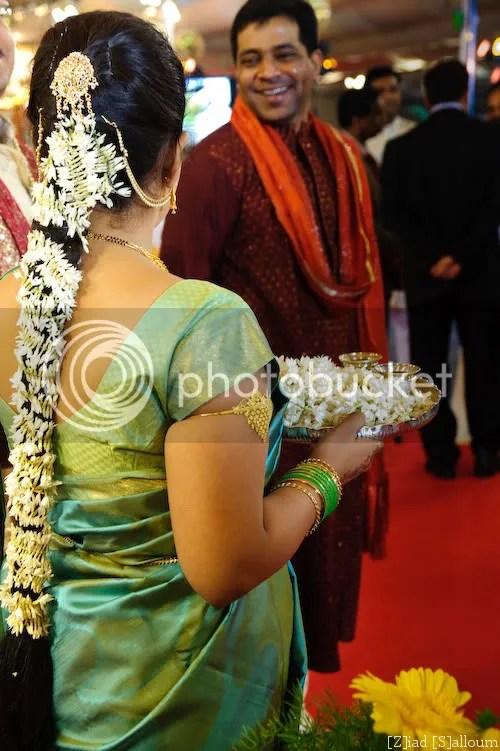 Shubh Vivah - The Wedding Planner: Solah Shrinagar - 16 adornments of an Indian Bride...