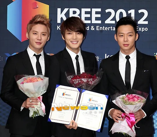 https://i2.wp.com/i1147.photobucket.com/albums/o550/JYJThree/2012/December/201212031707460610_1jyj.jpg