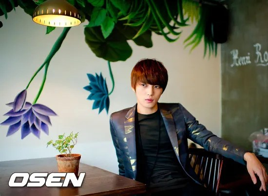 http://s1147.photobucket.com/albums/o550/JYJThree/2012/November/KJJ%20Korean%20Interviews/Osen/?action=view&current=201211150438775701_50a3f3595673d.jpg