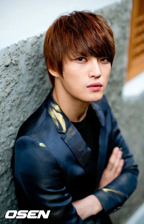 http://s1147.photobucket.com/albums/o550/JYJThree/2012/November/KJJ%20Korean%20Interviews/Osen/?action=view&current=201211150440772936_50a3f3be8a35c.jpg