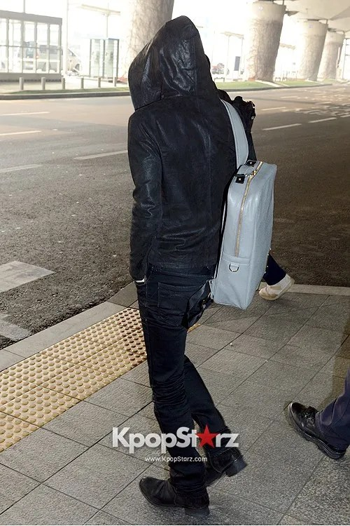 photo 62272-jyjs-kim-jae-joong-at-incheon-airport-leaving-for-fan-meeting-in-nanji.jpg