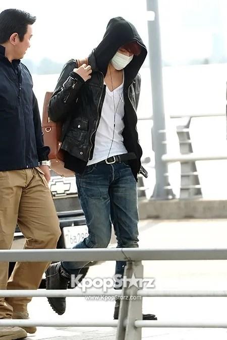 photo 58143-kim-jae-joong-leaving-for-fan-meeting-in-sanghai.jpg