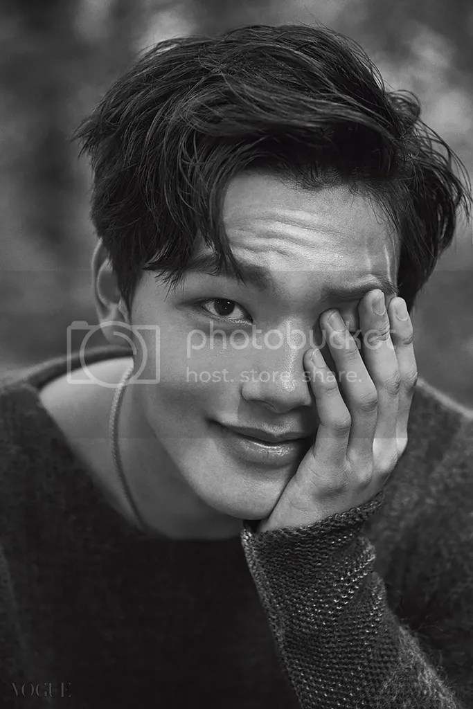 Yeo Jin Goo 8 para Vogue Corea (Bomba Soju)