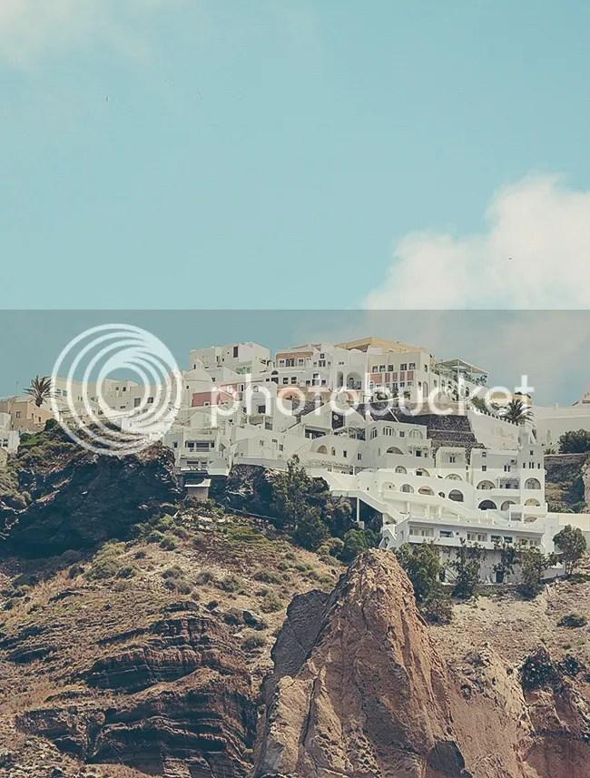 Fira desde el agua. Santorini, Grecia