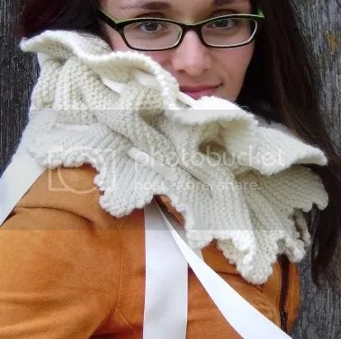 photo autumnturretscarf_zpsbdgnjkmg.jpg