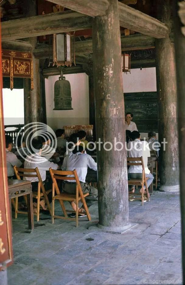 Hà Nội - Văn Miếu: học sinh