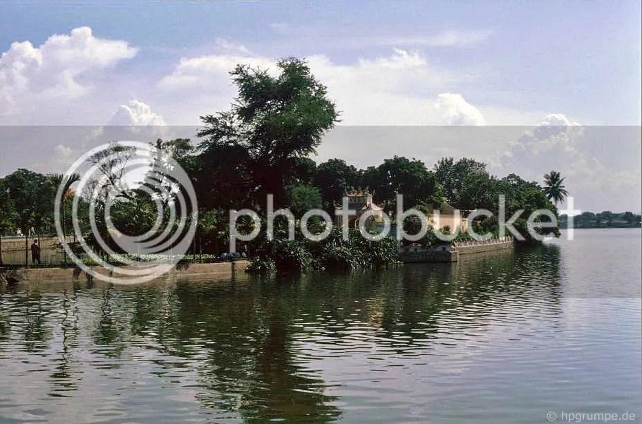 Chùa Trấn Quốc trên Hồ Tây: Hà Nội