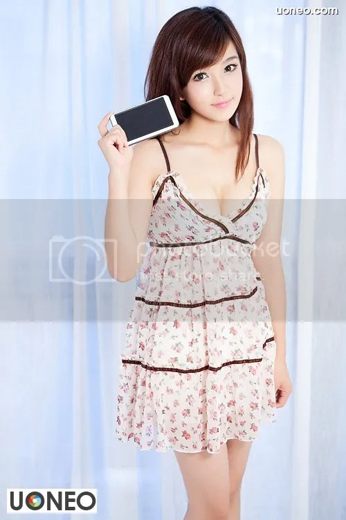 Beautiful China Girl Uoneo Com 04 Beautiful Chinese Girl with Suggestive Phone