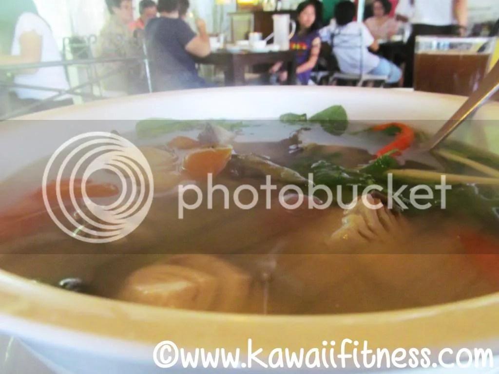 Tinolang ulo ng isda (fish head soup)
