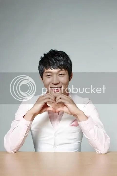 Hình ảnh mới của Yoochun từ Ottogi Facebook
