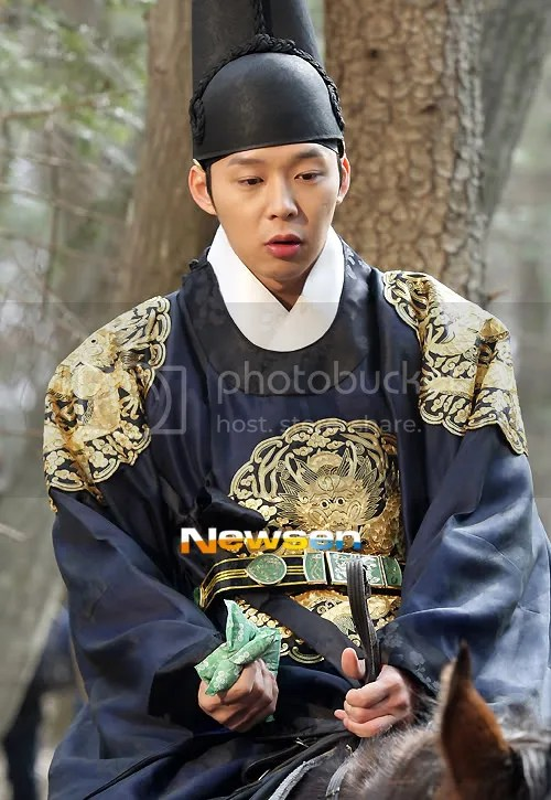 Yoochun filming 'Rooftop Prince' by Korean Press