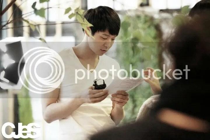 Những hình ảnh JYJ trong món Quà Valentine bất ngờ dành cho fan hâm mộ