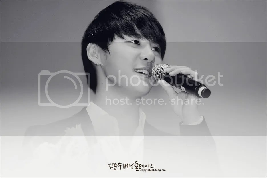 Up date hình JYJ của báo chí tại Hội nghị An toàn hạt nhân Seoul